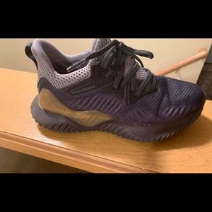 Boys size 3.5 Adidas Alphabounce gym shoes